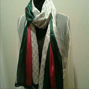 Gucci Other - NWT Gucci silk scarf